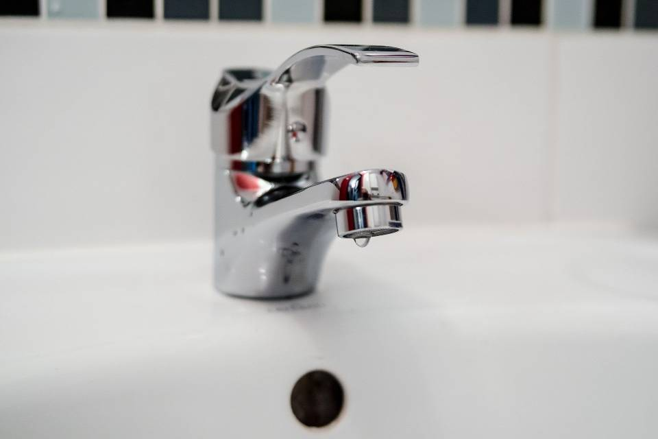 how to increase water pressure without a pump